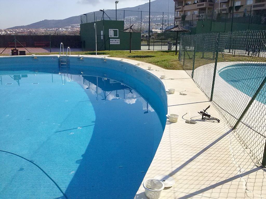 Localizaci n de fugas de agua en piscinas fugas de agua for Piscina inacua malaga